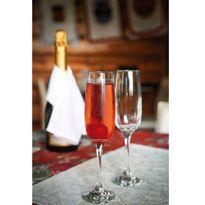 50000362-Cj-Taca-Champagne-Classic-180ml-6pcs-Amb-1