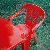 15151105-Poltrona-Plastica-Mor-Vermelha-115151004-Amb-2